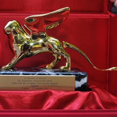 Венецианская биеннале раздала «Золотых львов»