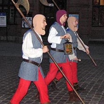 Польский город Торунь будет патрулировать костюмированная стража