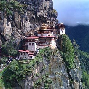 Бутан посещает все больше туристов