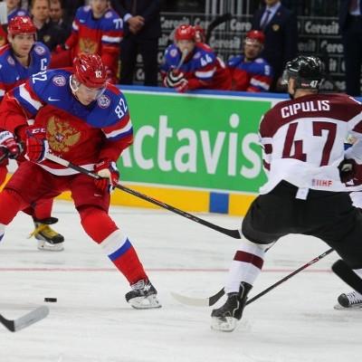 Российские хоккеисты, обыграв Латвию, досрочно вышли в плей-офф ЧМ