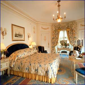 Знаменитый отель Ritz в Париже закроют на реконструкцию