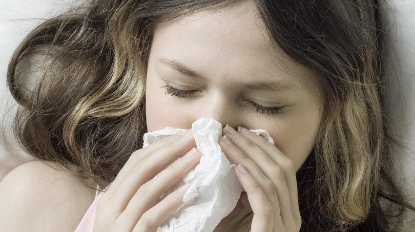 Как защитить себя в сезон респираторных вирусных инфекций: врачи дали советы